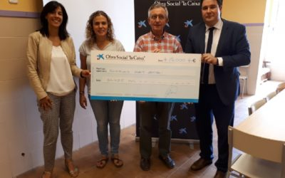 Fotonoticia: La plataforma social de los Salesianos en Mataró recibe una ayuda de Caixabank