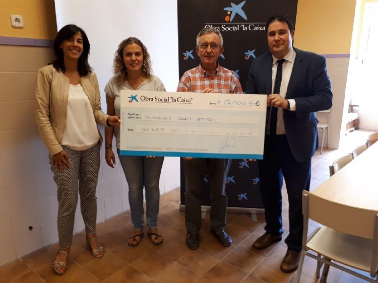 Fotonotícia: La plataforma social dels Salesians a Mataró rep una ajuda de Caixabank