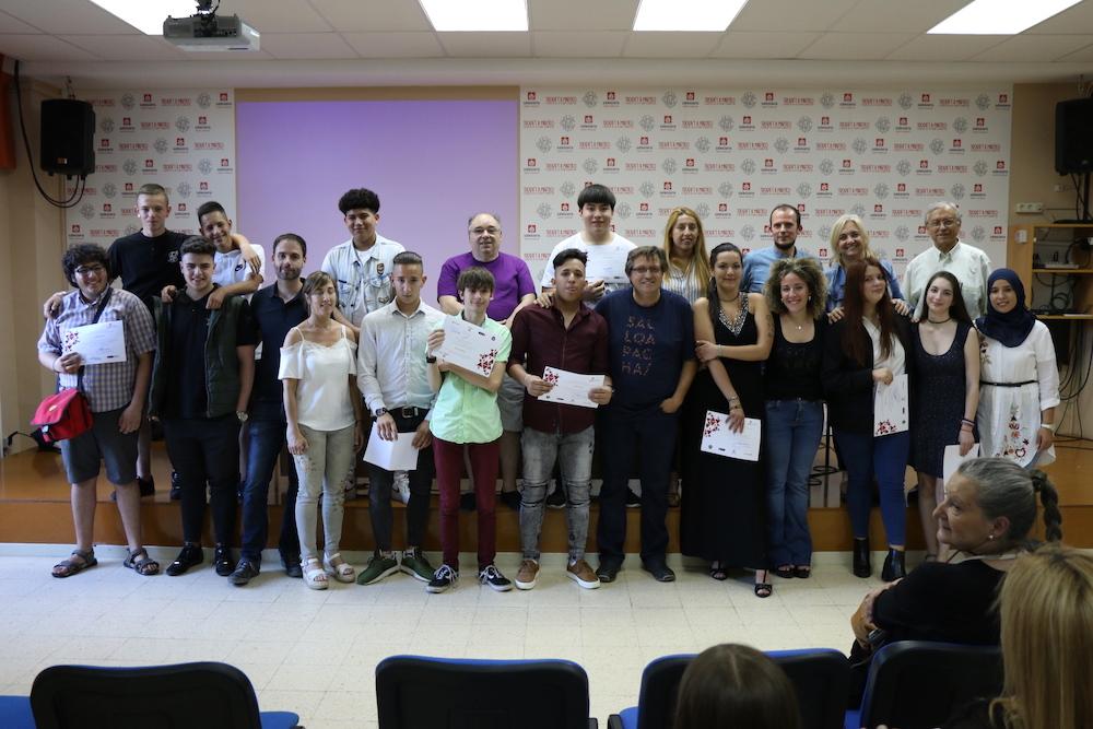 Acto de graduación de los jóvenes en Programas de Formación e Inserción (PFI) en Martí-Codolar